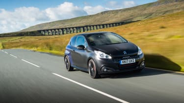 eCoty Peugeot 208 GTI by PS - front