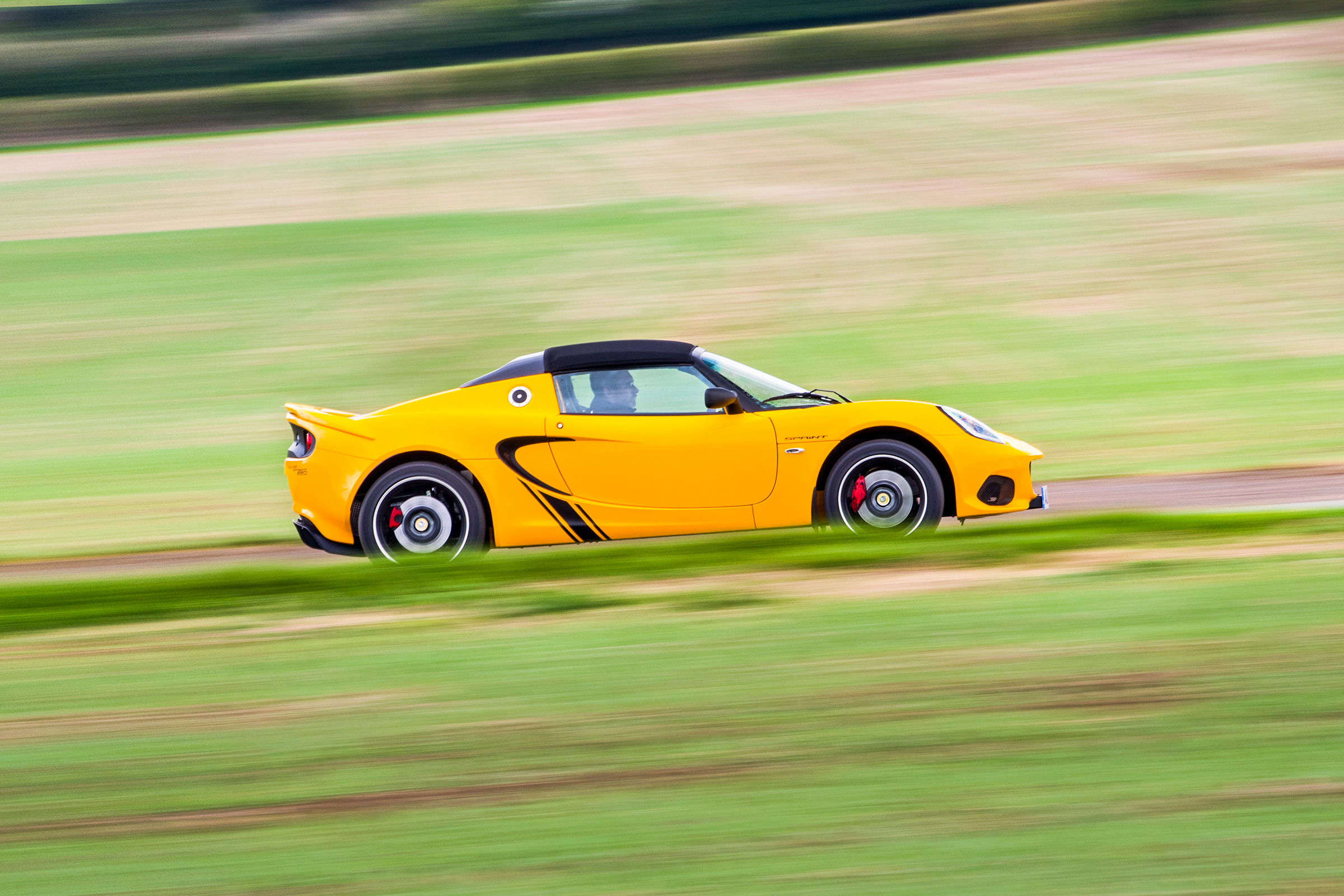 Lotus Elise 0 60 >> Lotus Elise Sprint 220 Review Is This The Sweet Spot In The Elise