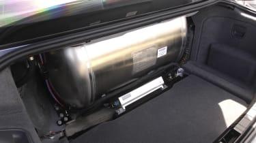 BMW hydrogen 7 tank