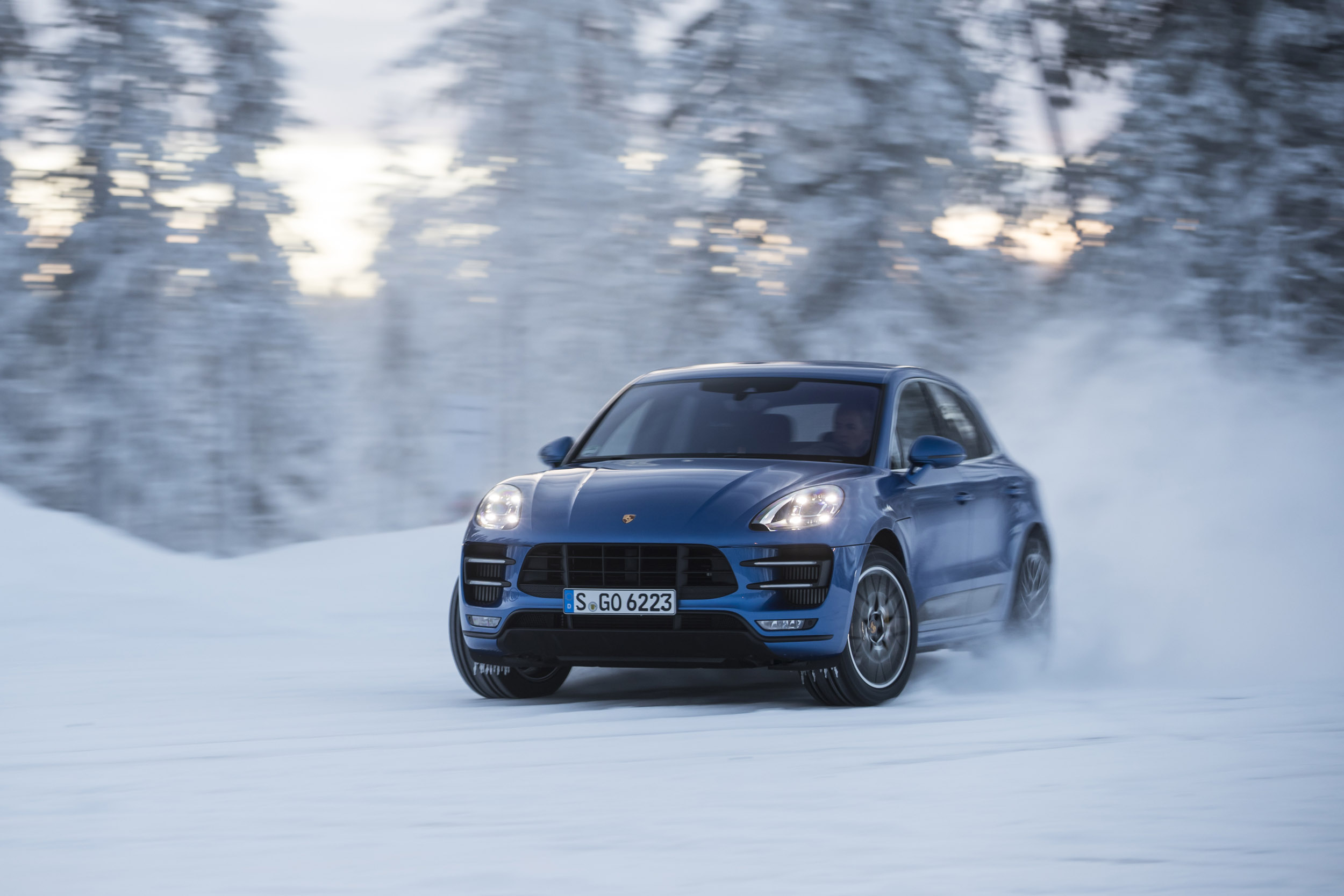 Porsche Macan Turbo Performance Package Review Rapid Suv Gets Even Quicker Evo