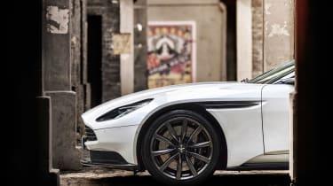 Aston Martin DB11 V8 - front beauty