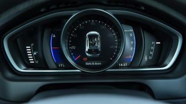 Volvo V40 2016 facelift - dial pack