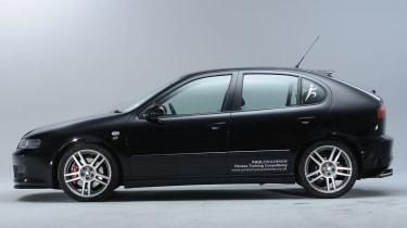 SEAT Leon Cupra R side profile