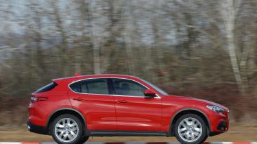 Alfa Romeo Stelvio - side profile