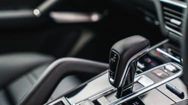 Porsche Cayenne Turbo - Gear selector