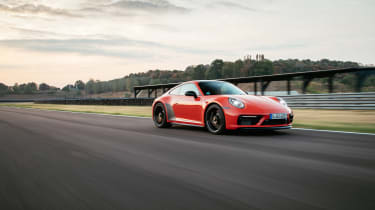 Porsche 911 GTS review (992) – front tracking