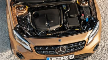 Mercedes-Benz GLA (2017) engine
