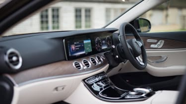 Mercedes E-class All-Terrain – interior