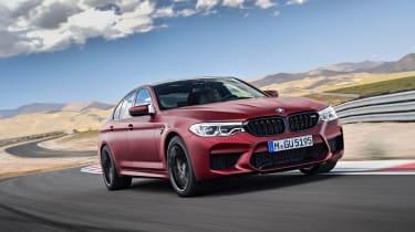 BMW M5 F90 - Plum matte front dynamic