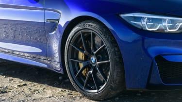 R8 RWS vs BMW M4 CS - M4 wheel