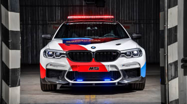 BMW M5 M Performance parts - front lights on