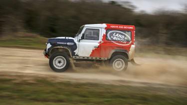Land Rover Defender Challenge off road