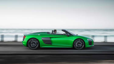 Audi R8 Plus Spyder - profile driving