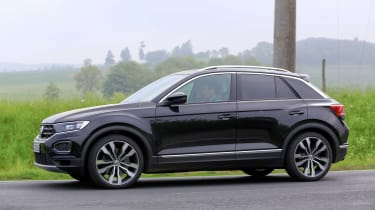 VW T-Roc R – side