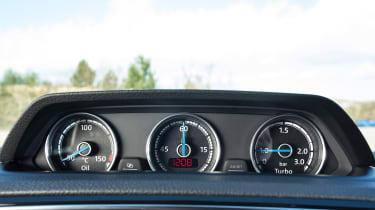 Volkswagen Scirocco R - dials