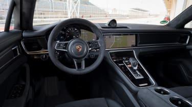 Porsche Panamera GTS - dash