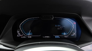 BMW X7 review - dials