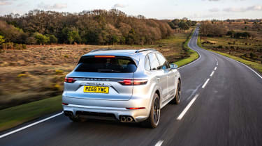 Porsche Cayenne Turbo S e-hybrid – rear tracking