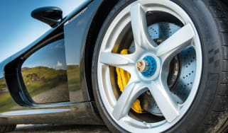 Carrera GT wheel nuts