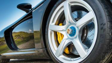 Carrera GT wheel nuts