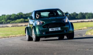Aston Martin Cygnet V8 - turning