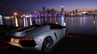 Lamborghini Aventador LP700-4 Roadster Miami skyline