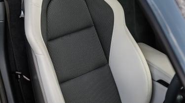 Porsche 718 Cayman - Seat