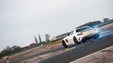 Porsche 911 GT2 RS & Mercedes-Benz SLS AMG Black Series - sliding