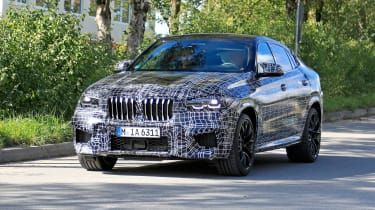 2019 BMW X6 M prototype - front