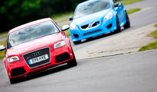 Audi RS3 Sportback v Volvo C30 Polestar drag race video