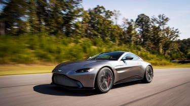 Aston Martin Vantage - silver dynamic front