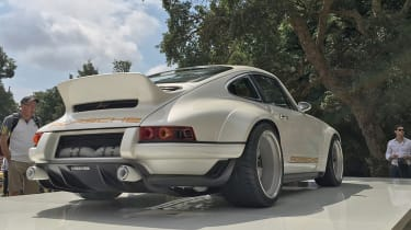 Singer 911 on the stand rear