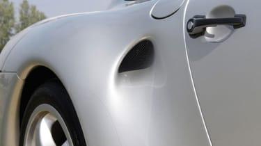 Porsche 959 - Side vent