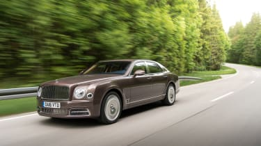Bentley Mulsanne - front tracking