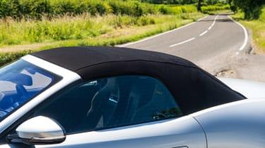 Jaguar F-type 400 Sport roof