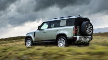 Land Rover Defender PHEV – pan