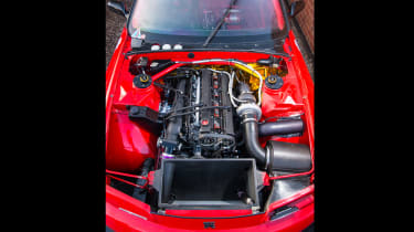 Nissan GT-R collector - red engine bay