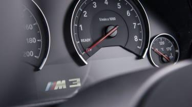 BMW M3 - Dials