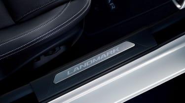 Jaguar XE Landmark - plate
