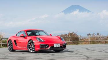Porsche Cayman GTS Japan - front fuji