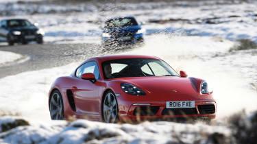 Porsche 718 Cayman - front cornering