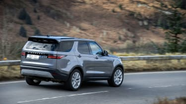Land Rover Discovery 5 2021 - rear quarter