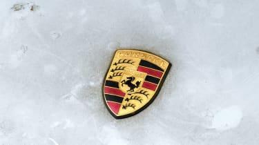 Porsche 911 Carrera RSR - Porsche badge
