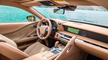 Lexus LC500h - dash