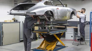 Porsche 911 barn - bodywork