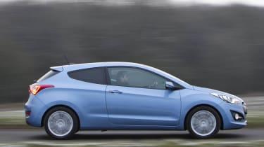 Hyundai i30 three-door side profile blue