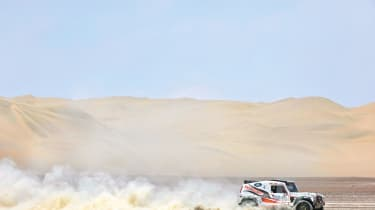 Race2Recovery Land Rover leaves dust trails on the Dakar Rally