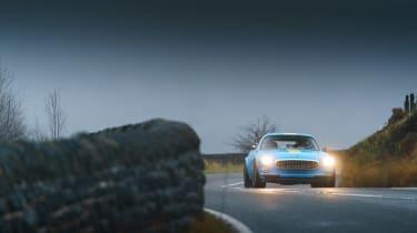 Volvo P1800 Cyan Racing – cornering