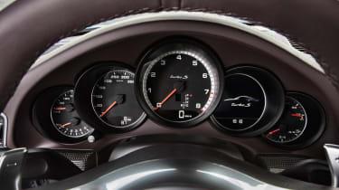 2013 Porsche 911 Turbo dials