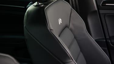 Volkswagen Golf R - seat